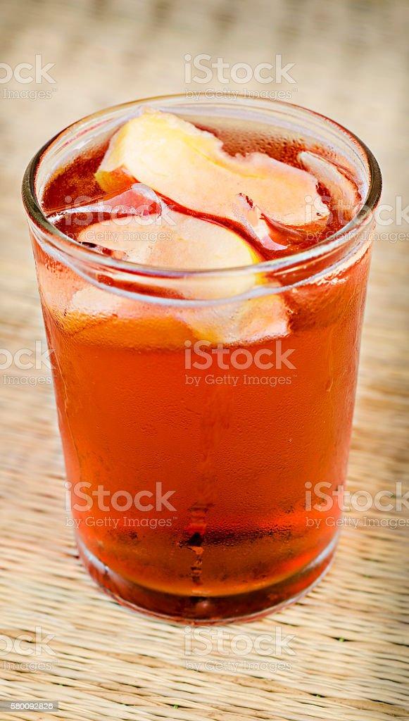 Świeży koktajl z Pomarańcza, jabłko i lodu, Selektywna głębia ostrości zbiór zdjęć royalty-free