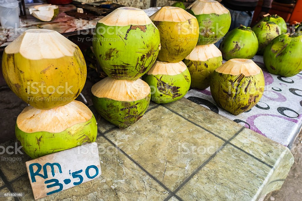 Fresh Coconit at Roadside Stall in Borneo foto stock royalty-free
