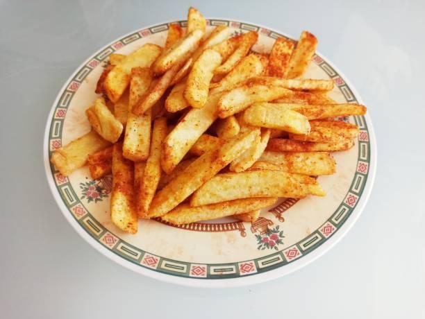 Taze kesilmiş patates kızartması patato sebze ile İstanbul'da türkiye terbiyeli stok fotoğrafı