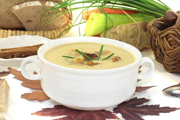 Frische leckere sweet chestnut-Suppe – Foto