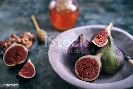 Fresh Figs with Honey