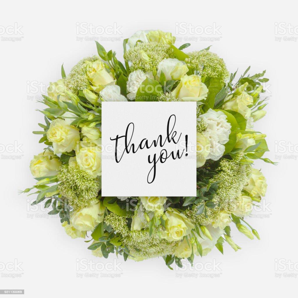Taze çiçekler grup ve kelimeler ile kartı üzerinde yazılı teşekkür ederim - Royalty-free Arka planlar Stok görsel