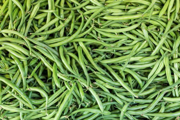 świeże owoce i warzywa.zielona fasola - fasola zdjęcia i obrazy z banku zdjęć