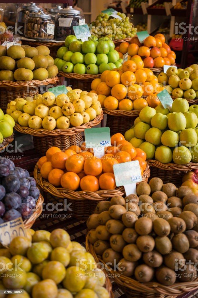 fresh fruits at a street market zbiór zdjęć royalty-free