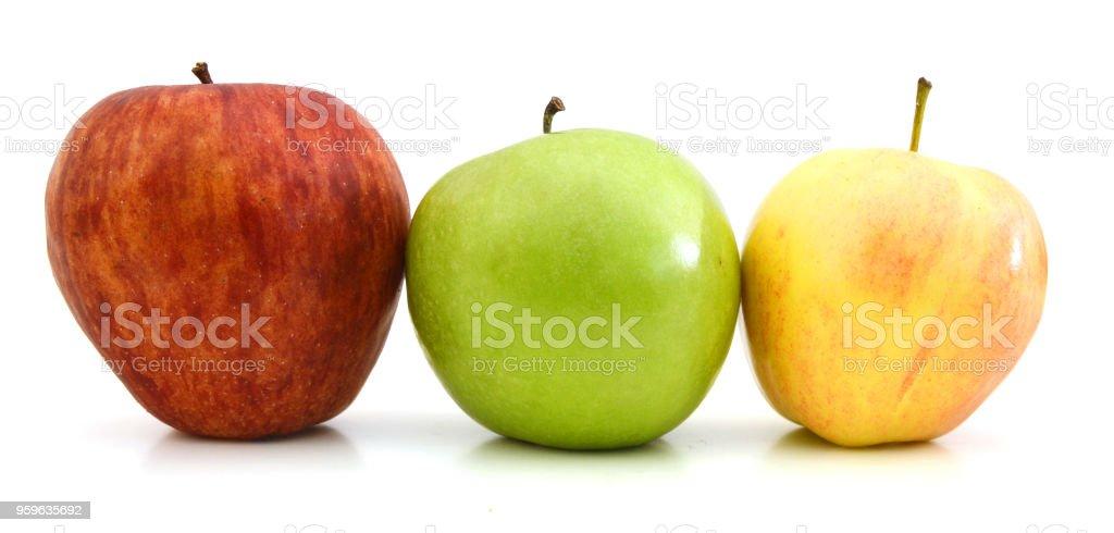 Fresco, verde, amarillo y rojo manzanas aislado sobre un fondo blanco - Foto de stock de Alimento libre de derechos