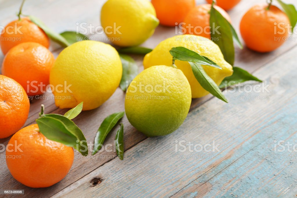 Fresh lemons and tangerines zbiór zdjęć royalty-free