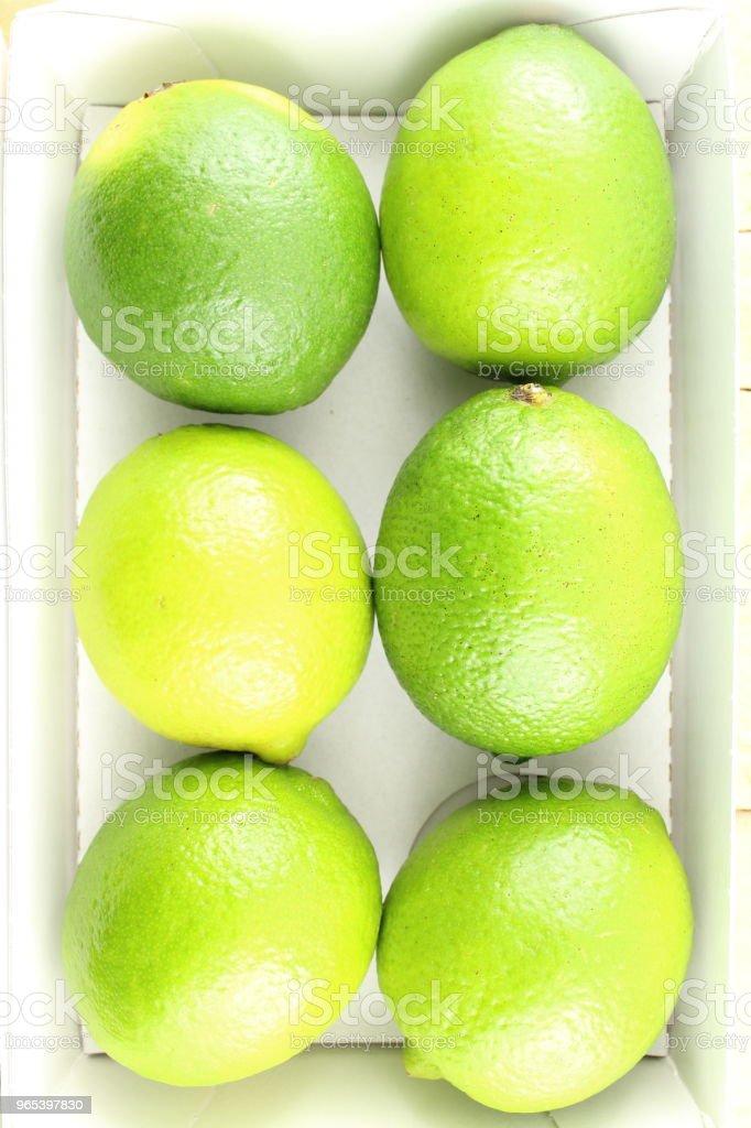 신선한 라임 과일 상자 - 로열티 프리 감귤류 과일 스톡 사진