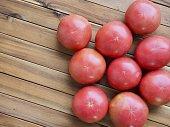 新鮮なオーガニックのトマト