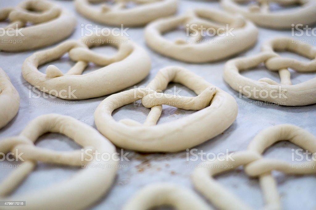 Frische Sauerkraut und Brezel Teig auf der Baker's/Tee-Sortiment – Foto
