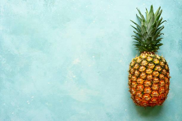 Frisch reife ganze Ananas – Foto