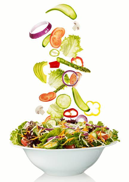 salade fraîches - saladier photos et images de collection