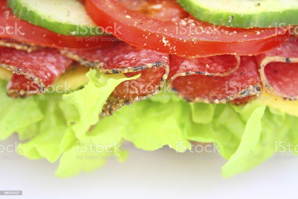 Fresco con salame Panino formaggio e verdure foto stock royalty-free