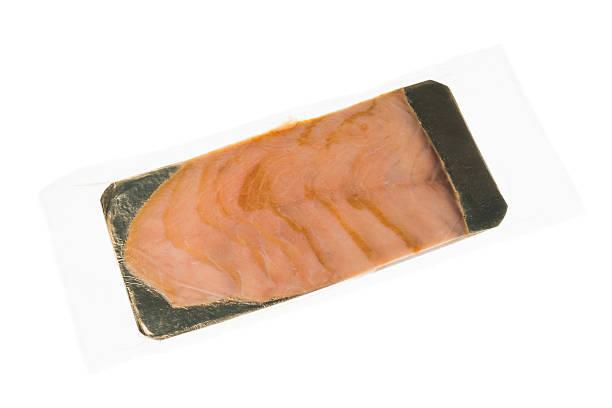 frisch geräucherter solomon fisch - orangenscheiben trocknen stock-fotos und bilder