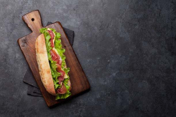 Frisches U-Boot-Sandwich – Foto