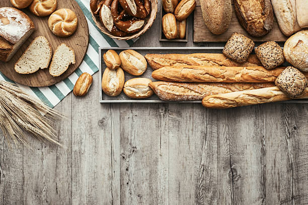 fresh tasty bread - bakery stockfoto's en -beelden