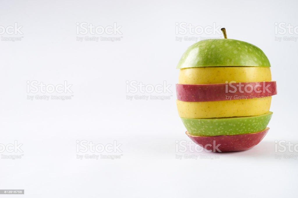 Fotografía de Manzanas Frescas De Tres En Rodajas Las Manzanas ...
