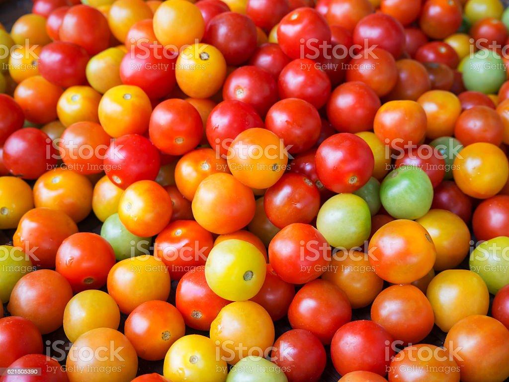 Des tomates fraîches à vendre au marché, en Thaïlande  photo libre de droits