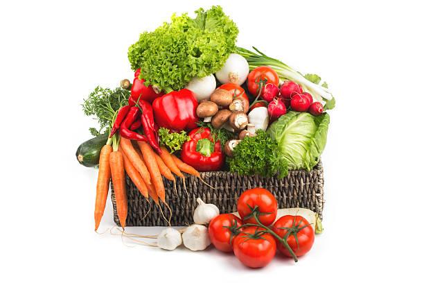 Frisches Gemüse-mix, isoliert auf weiss – Foto