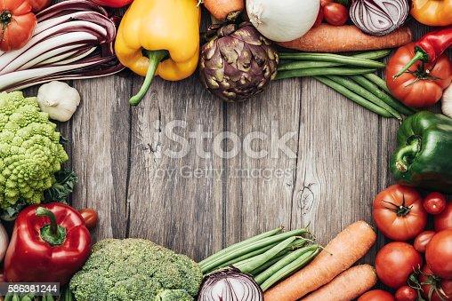 Foto de Legumes Frescos Quadro e mais banco de imagens de Alimentação Saudável