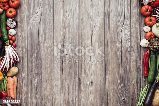 istock Fresh vegetables frame 586699332