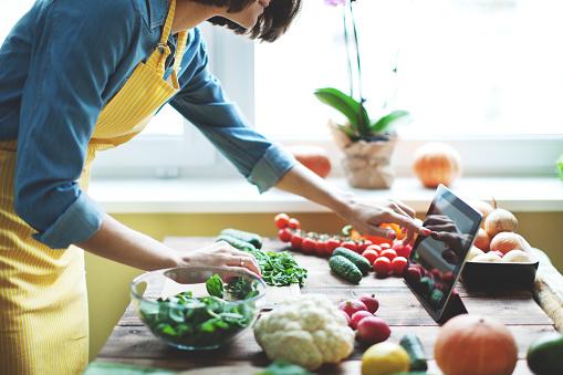 Verdure Fresche - Fotografie stock e altre immagini di Adulto