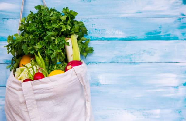 fresh vegetables - comida sustentavel imagens e fotografias de stock