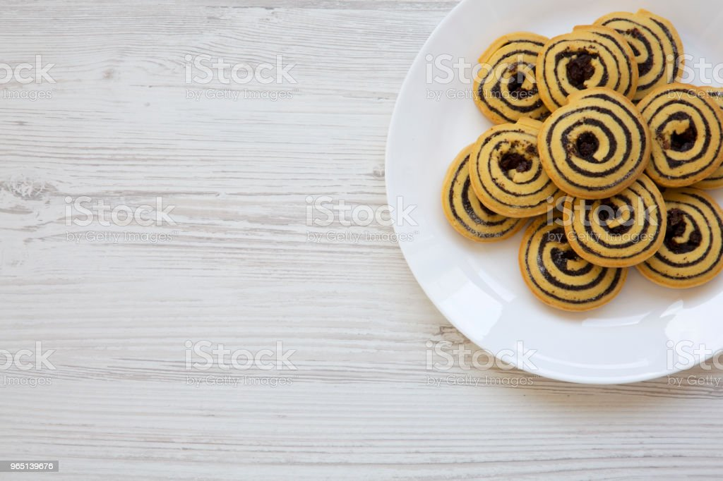 Freshly baked cookies on a plate with copy space, from above. Top view. Flat lay. zbiór zdjęć royalty-free