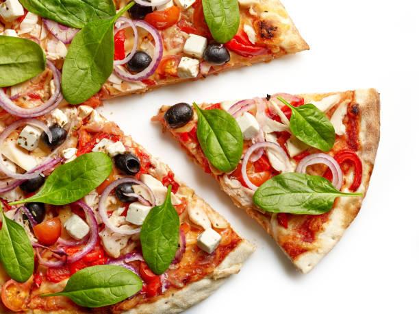 freshly baked pizza - fundo branco imagens e fotografias de stock