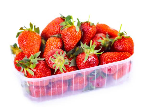 frisch gekaufte Erdbeeren – Foto