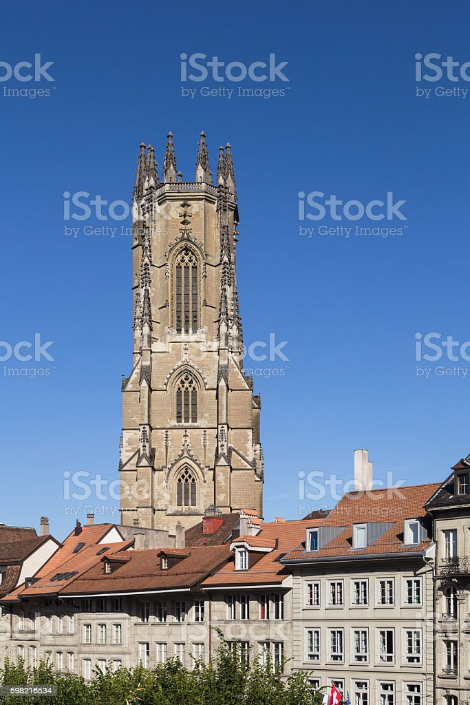 Fribourg cathedral in Switzerland foto royalty-free