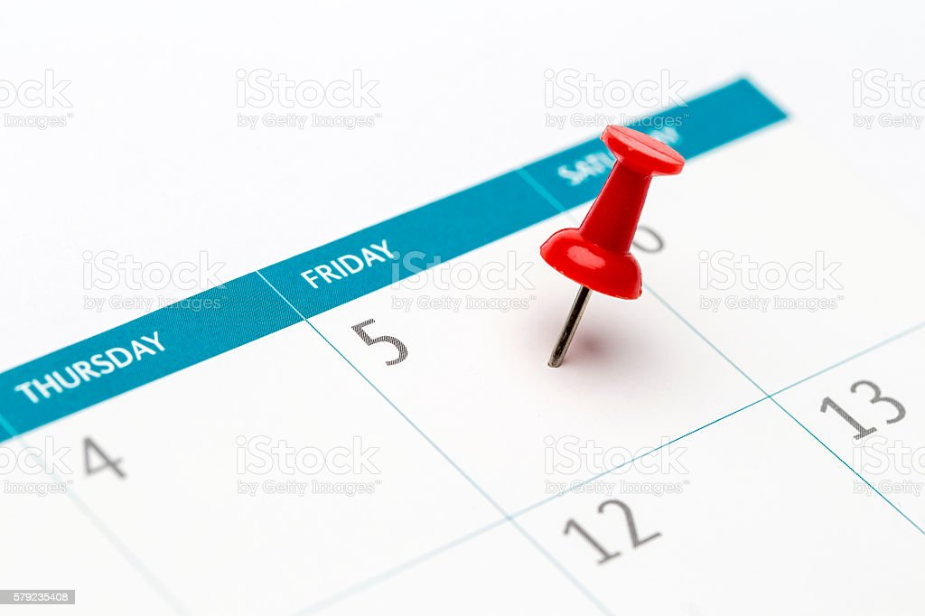 Friday, August 5, pinned date mark on calendar – Foto