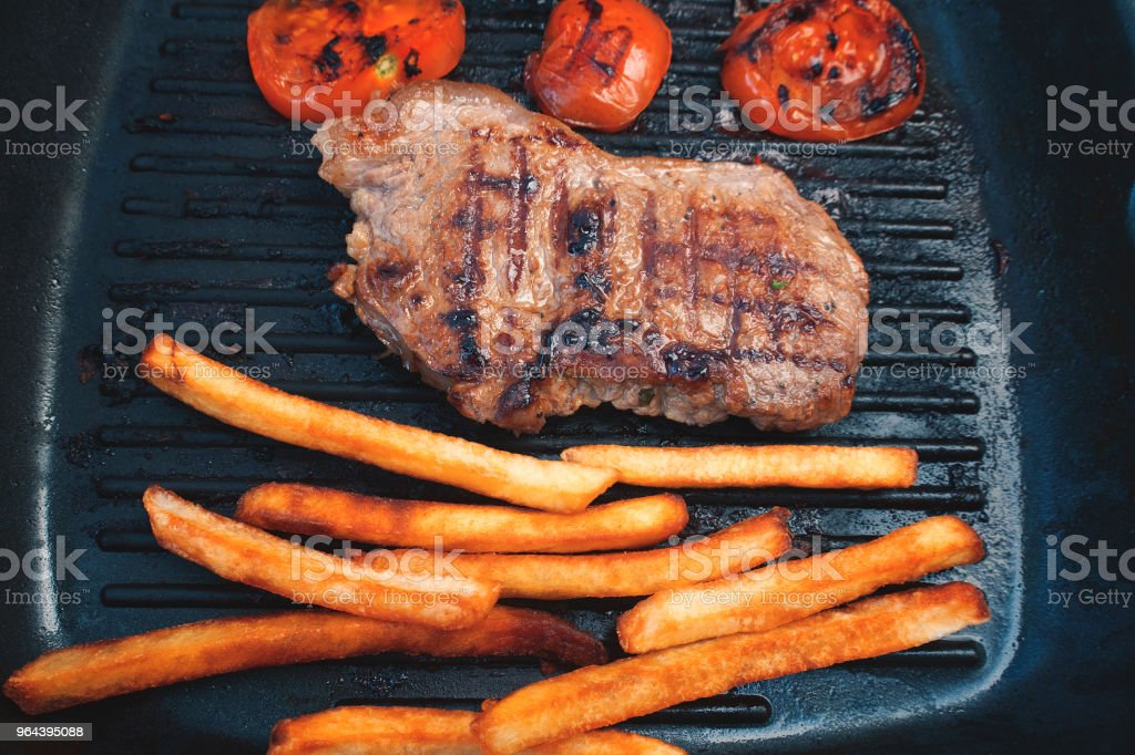 Gebakken voedsel, vlees, aardappelen - Royalty-free Aardappel Stockfoto