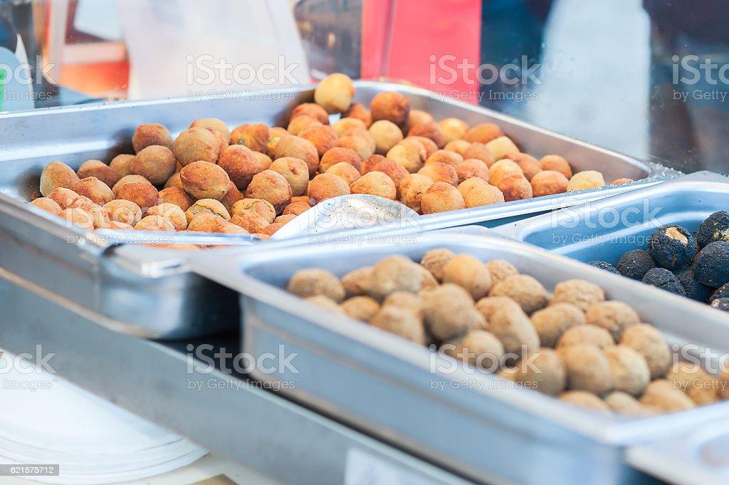Fried olive ascolane . Typical regional dish photo libre de droits