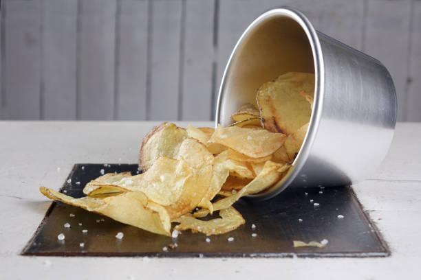 Fried potato chips - foto stock