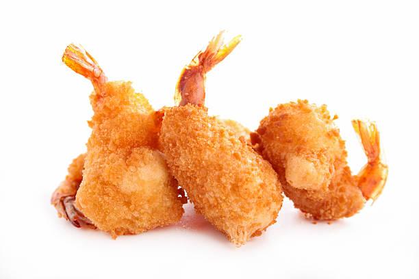 gamberi fritti - pangrattato preparazione degli alimenti foto e immagini stock