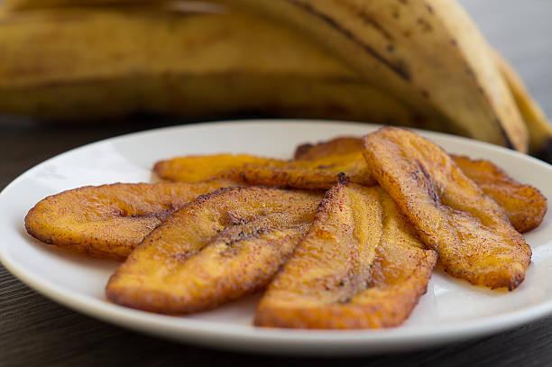 튀긴 달콤함 플렌틴 바나나/tajadas/maduros - 플렌틴 바나나 뉴스 사진 이미지