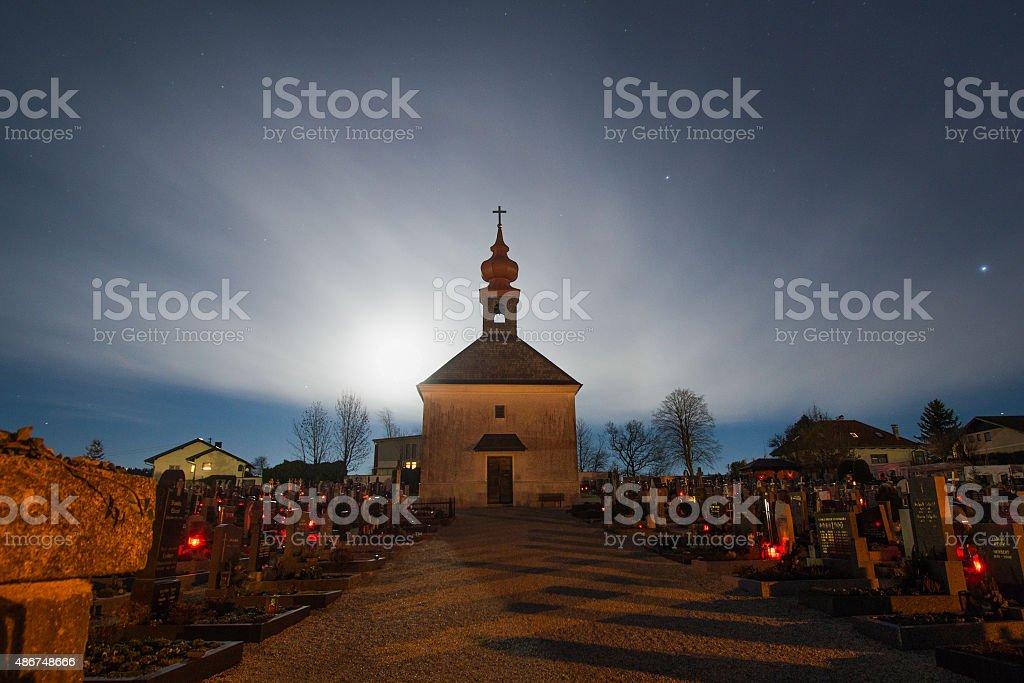 Friedhof bei Mondschein stock photo