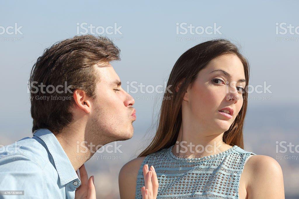 Amico zona concetto di donna respingere uomo - foto stock