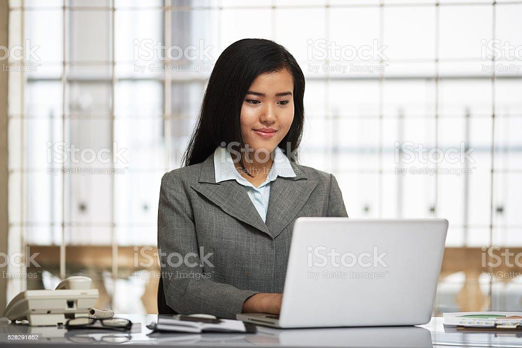 Freundlich Geschäftsfrau – Foto