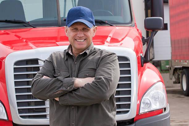 Freundliche LKW-Fahrer und Lkw – Foto