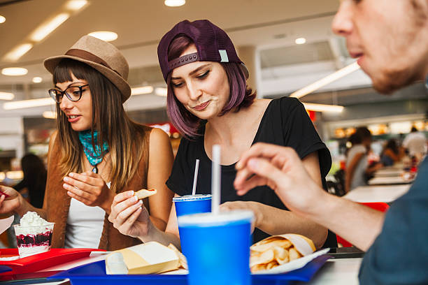 eating-at-food-court