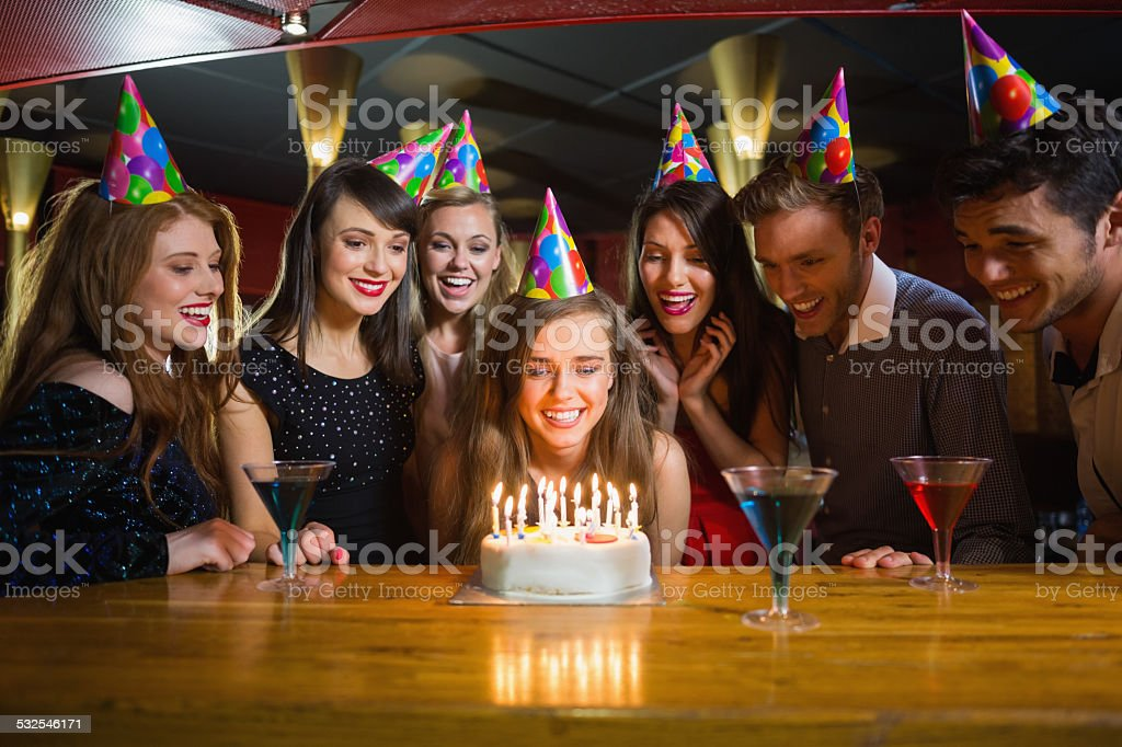 Freunde feiern gemeinsam Geburtstag – Foto