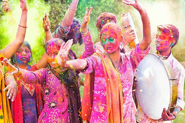Amis célébrant le Festival de Holi en Inde - Photo