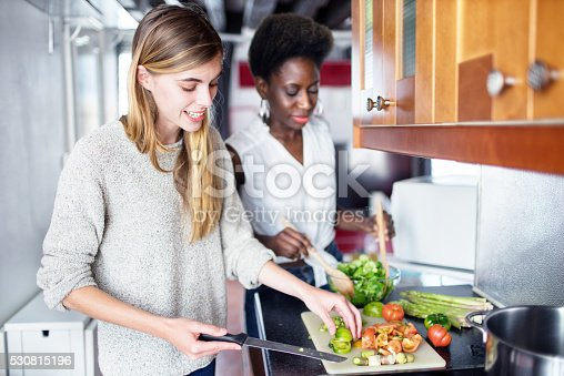 istock Friends Cooking 530815196