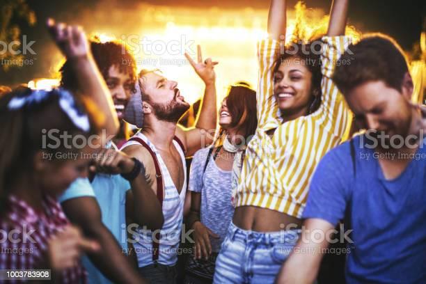 Friends dancing at a concert picture id1003783908?b=1&k=6&m=1003783908&s=612x612&h=dnza53ycyjmcjvjmxylza78cdhsq3io 8ovkgepmr5m=