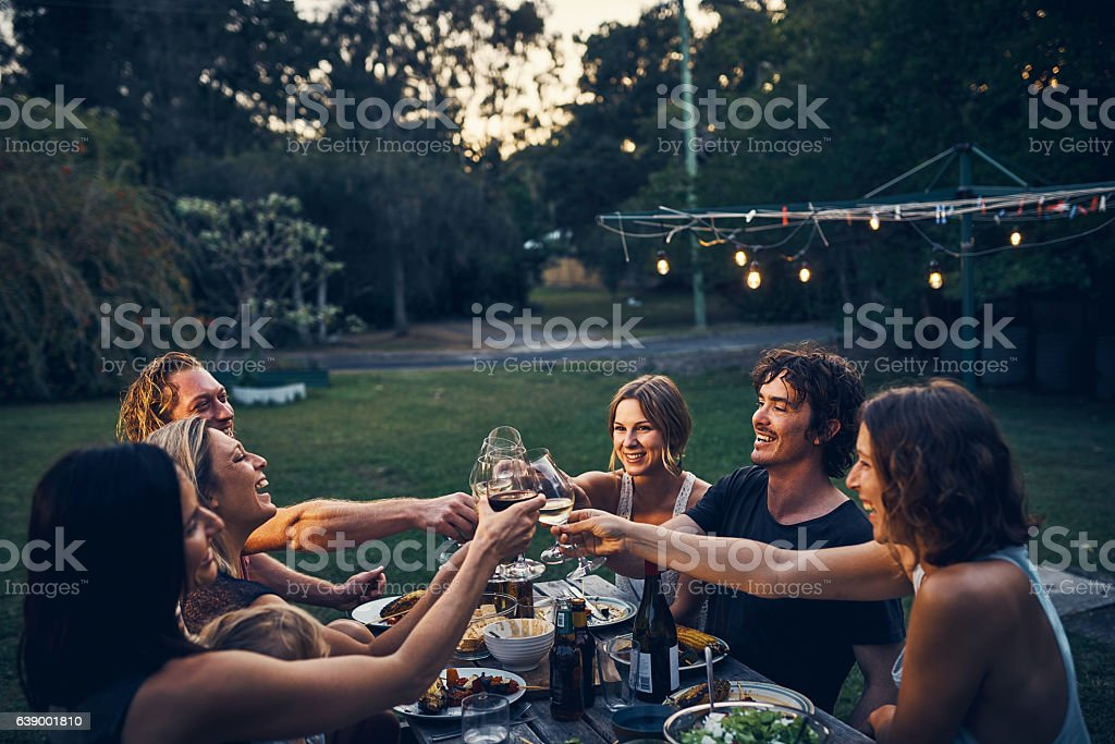 Friends don't let friends drink wine alone - Photo