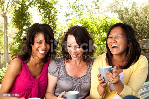 istock Friends Drinking Coffee 182813284