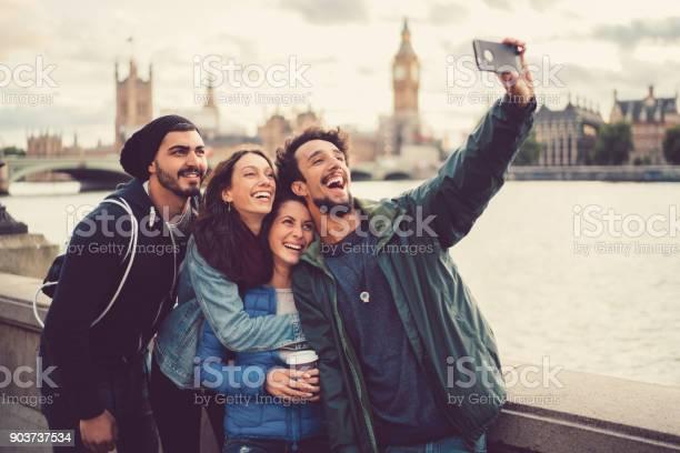 Friends enjoying london together picture id903737534?b=1&k=6&m=903737534&s=612x612&h=hx30nh yz9htzdake7 brok2zx6irjkiuqylvnek2qk=