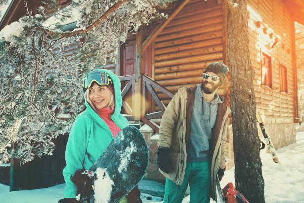 friends going out for a ride - station de ski photos et images de collection