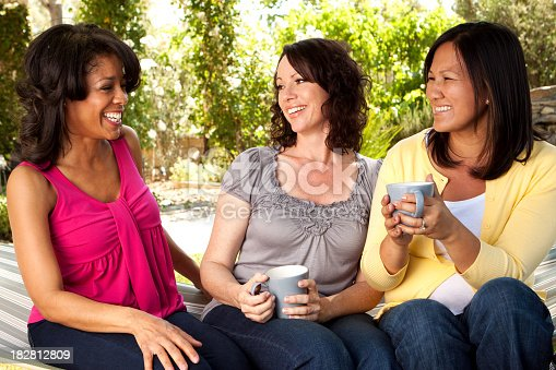 istock Friends Hanging out 182812809